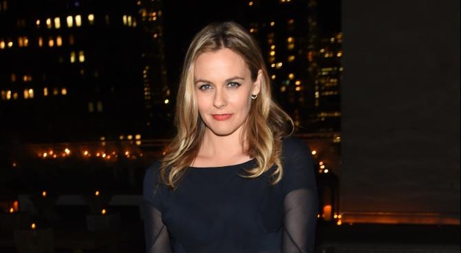 Актрисата Алисия Силвърстоун ще плаща издръжка на бившия си съпруг