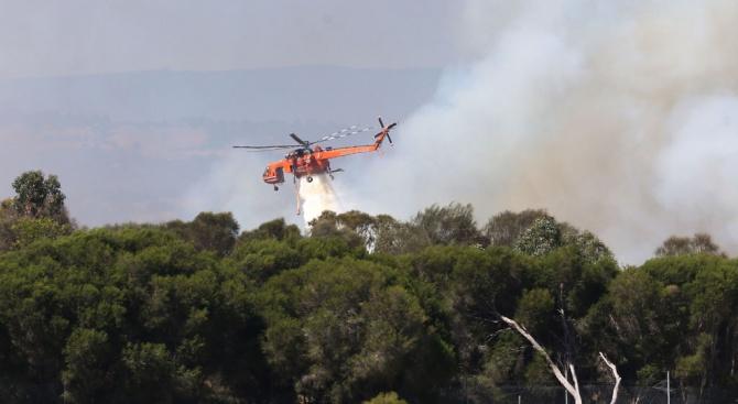 Евакуираха хиляди заради катастрофалните горски пожари в Австралия