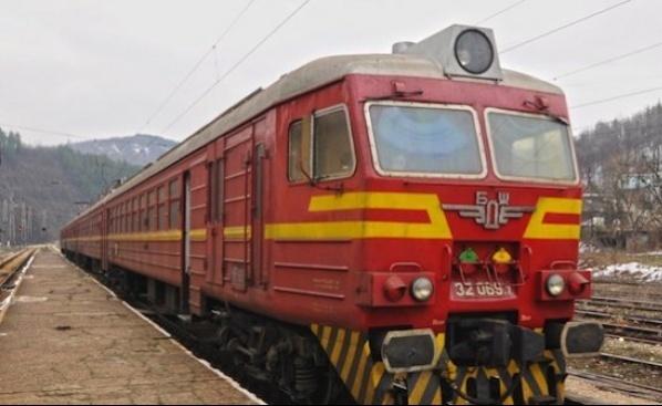 Влак блъсна и уби жена край гробищата в Стара Загора