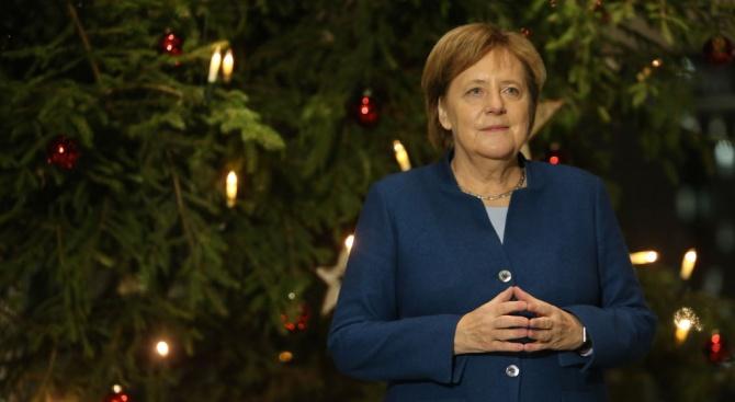 Меркел получи коледната си елха