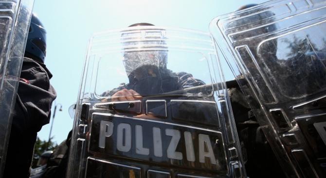 20-на души бяха взети за заложници в Италия (обновена)