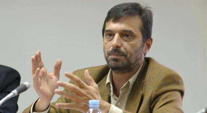 Димитър Манолов: Политици са предавали националните ни интереси, протестираме да не стане така и в Катовице