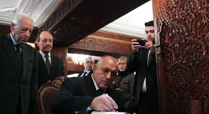 Борисов поднесе цветя на пред саркофага в гробницата на крал Мохамед V и крал Хасан II (снимки)