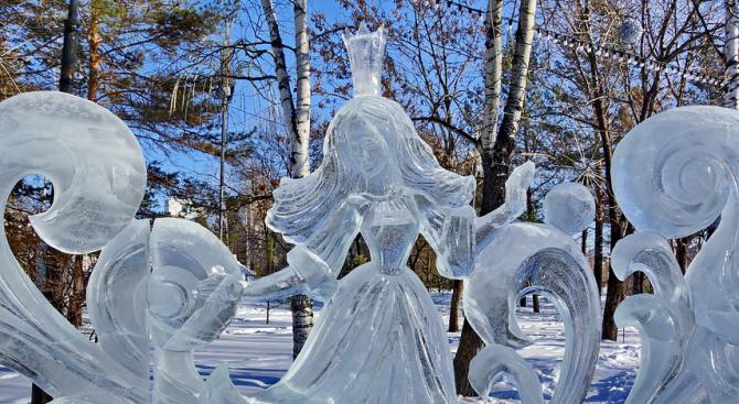 Гигантски ледени скулптури показват на фестивал в Белгия (снимки+видео)