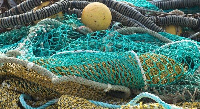 300 кг риба е освободена от бракониерски мрежи на язовира край Омуртаг