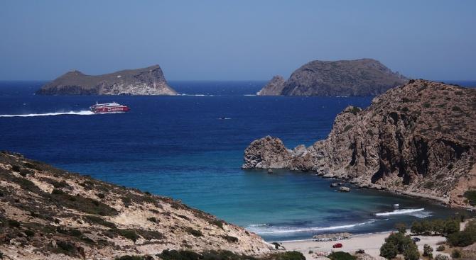 Част от фериботите в Гърция не работят заради силни бури
