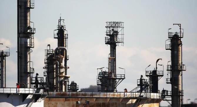 Иран разработи механизъм, чрез който може да продължи да продава петрол на Южна Корея