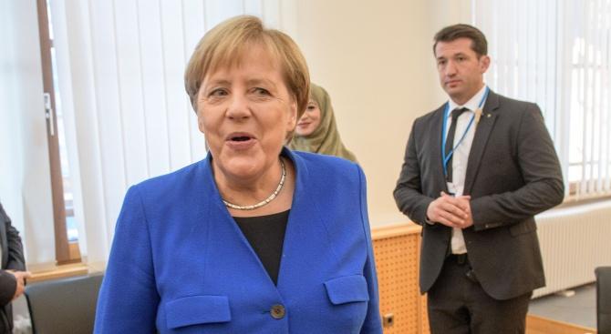 Ангела Меркел: Да застанем начело в разработването на изкуствен интелект