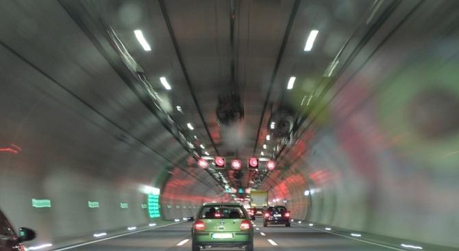 """АПИ с важна информация за движението в тунел """"Топли дол"""" на АМ """"Хемус"""""""