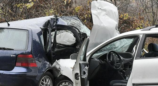 Три коли катастрофираха на Околовръстното на Пловдив
