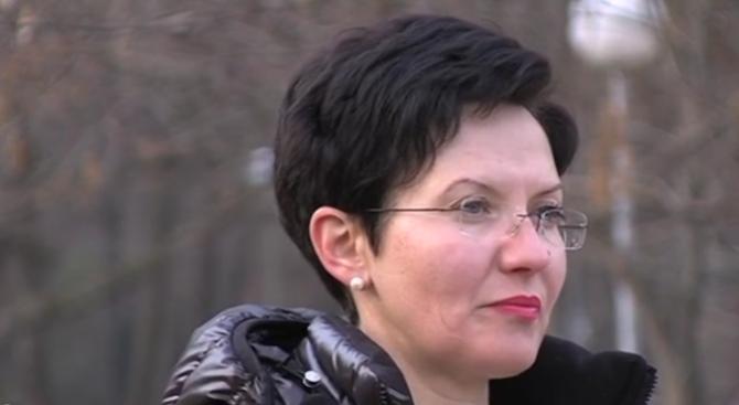 Глутници кучета нахапаха учителка в парк в Благоевград (видео)