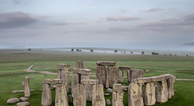 Британски археолози обвиниха държавна компания, че е повредила древен обект край Стоунхендж