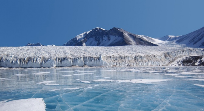 Ледът под Антарктида крие останките на древен суперконтинент