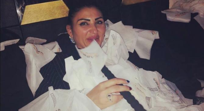 Затрупаха Софка със салфетки на рождения ѝ ден