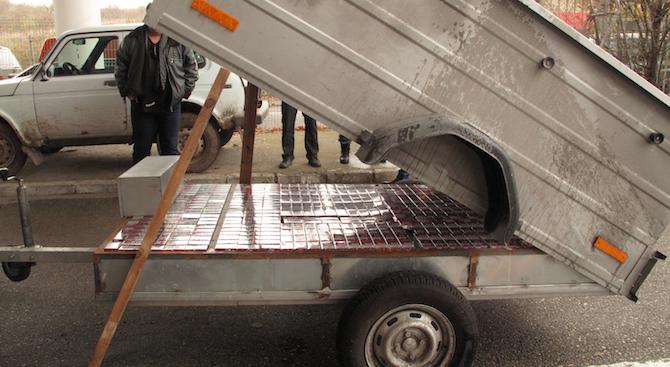 Граничари задържаха гръцки гражданин с близо 98 000 къса контрабандни цигари