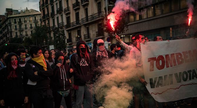 Испанското правителство предупреди, че може да поеме контрола върху сигурността в Каталуния