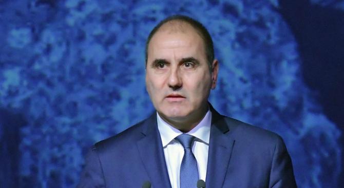 Цветанов: Не трябва да позволяваме страхът от терора да промени живота ни