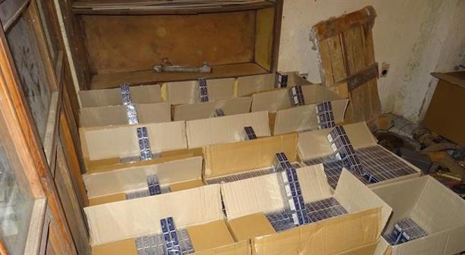 Полицаи иззеха 150 000 къса цигари без бандерол