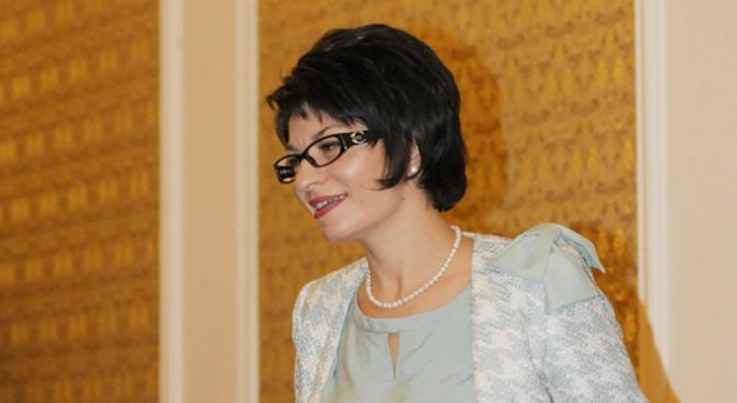 Десислава Атанасова за дискусията на президента: По същия, действащ Изборен кодекс е избран самият той