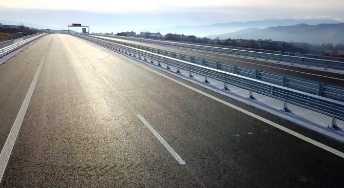 """Утре се откриват още 24 км от АМ """"Струма"""" между Кресна и Сандански (снимки)"""
