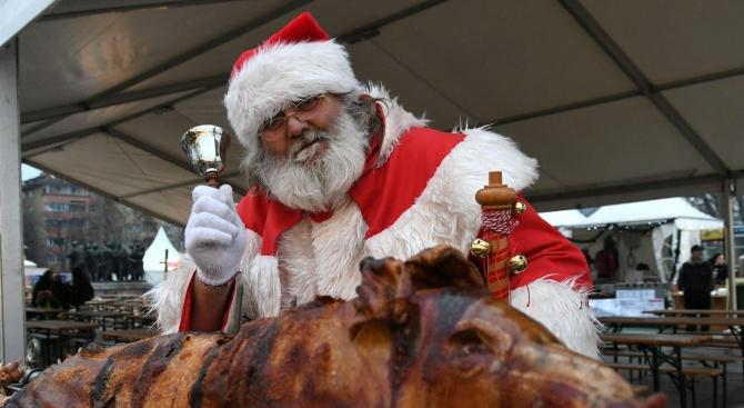 Ще разфасоват две прасета в центъра на Пловдив на Коледа (видео)
