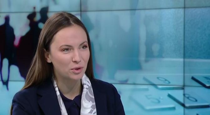 Ева Майдел: С намаляването на таксите за парични преводи премахнахме двоен стандарт