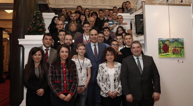 Цветанов се срещна с директори и ученици от Горна Оряховица