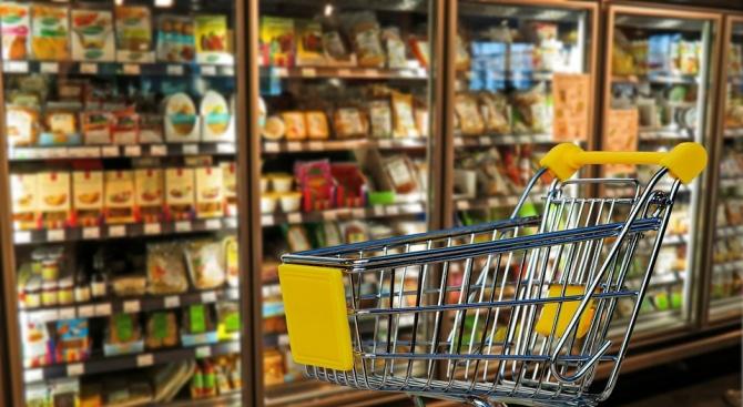БАБХ е изтеглила 5 кг храна заради изтекъл срок на годност в Русе