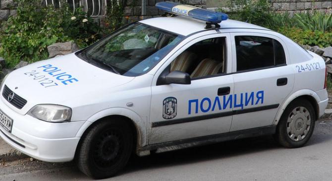 24-годишна пияна и надрусана шофьорка заби колата си в дърво