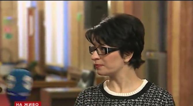 Десислава Атанасова: Няма смисъл от предсрочни избори (видео)