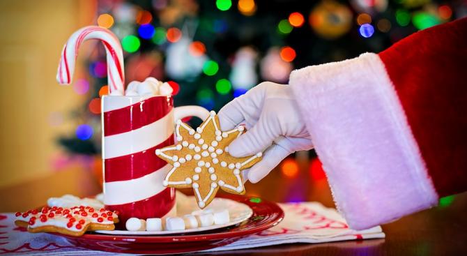 Дядо Коледа ще раздава лакомства край елхата в Търговище