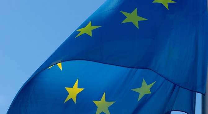 Евробарометър: България остава сред страните с високо доверие към ЕС