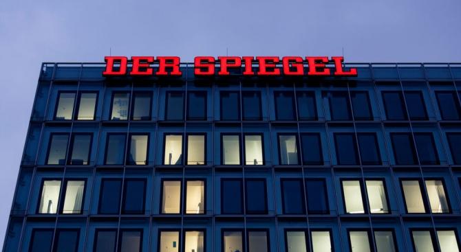 """Американският посланик в Германия поиска проверка на журналиста от """"Шпигел"""", фалшифицирал статиите си"""