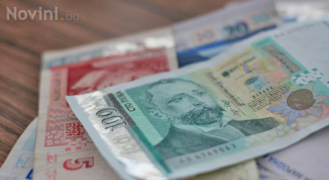 Наградиха ученици в Пловдив за намерена и върната голяма сума пари