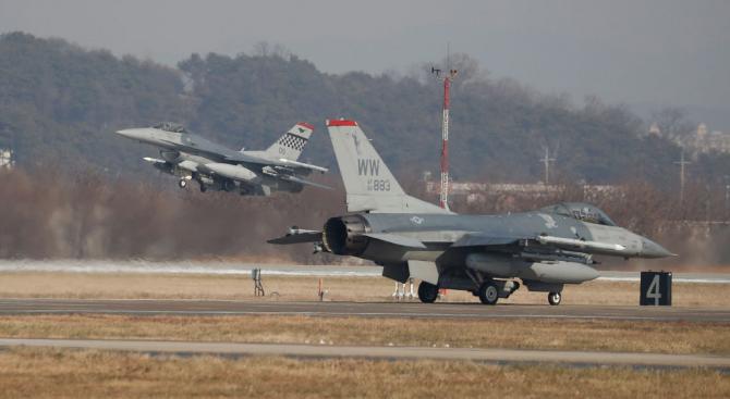 """Производителят на """"Грипен"""": Предлаганият на България изтребител F-16 съществува само на хартия"""