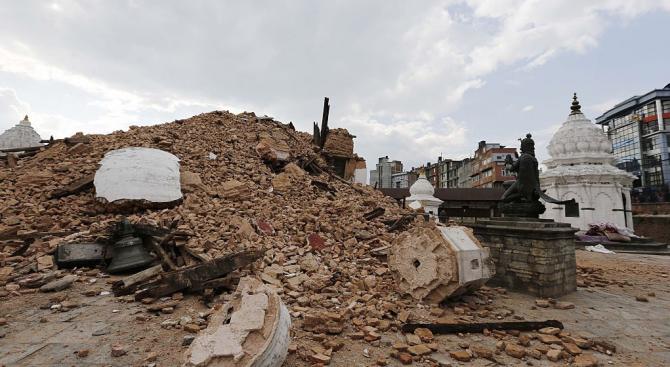 Силно земетресение люшна Тибет
