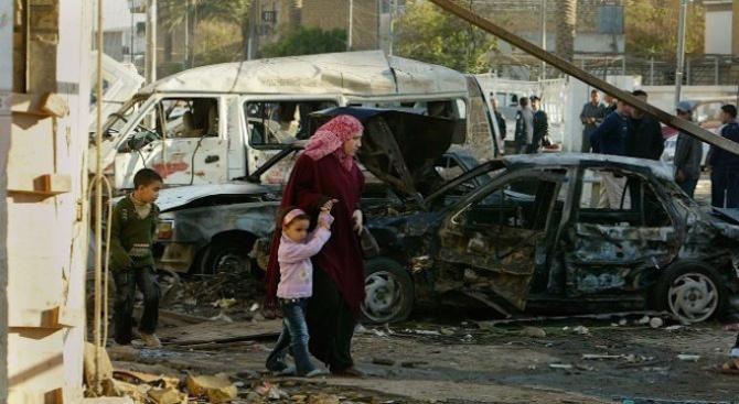 Кола бомба избухна до министерска сграда в Кабул
