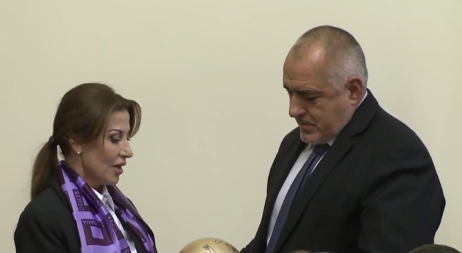 Борисов изпълни още едно обещание за годината (видео+снимка)
