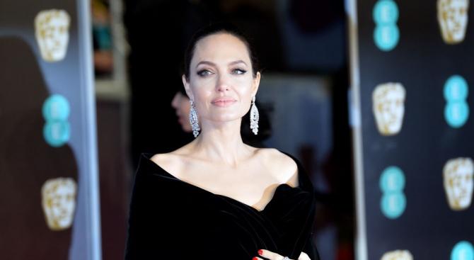 Анджелина Джоли влиза в политиката?