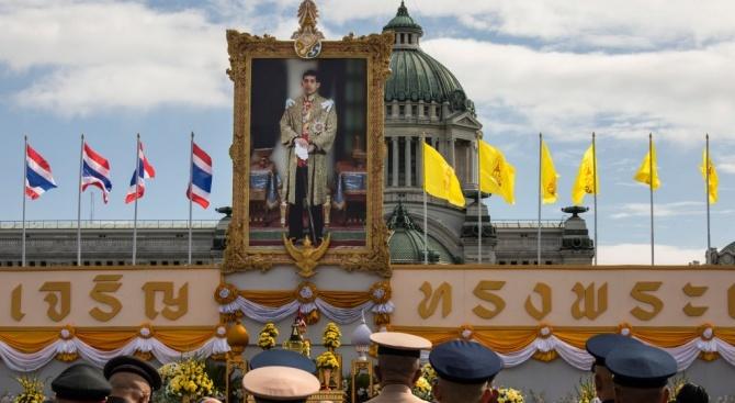 Ето кога ще бъде коронясан кралят на Тайланд Маха Ваджиралонгкорн
