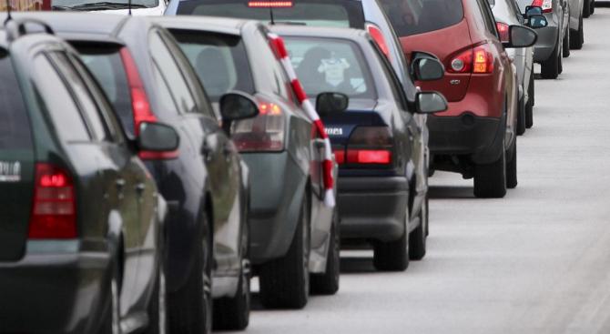"""Трафикът по АМ """"Хемус"""" в посока столицата е засилен"""