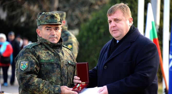 Каракачанов за новите изтребители: Трябва да се търси общ национален консенсус по въпроса (снимки)