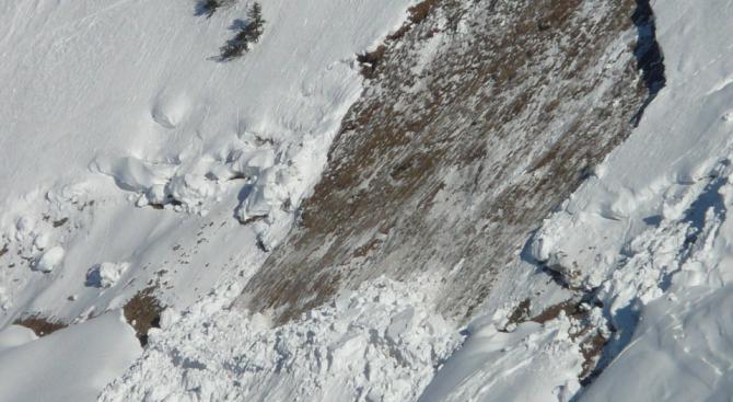 Предупредиха за висок риск от лавини в някои части на Алпите