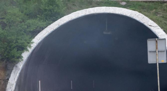 "Ремонт затваря част от тунела ""Мало Бучино"""
