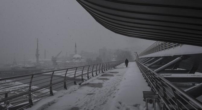 Турция в плен на снеговалежи