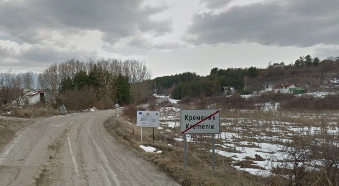 Село чака ремонт на полуразрушен път