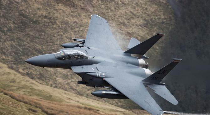 """Бивш военен министър: С F-16 купуваме 50% повече от """"Грипен"""""""
