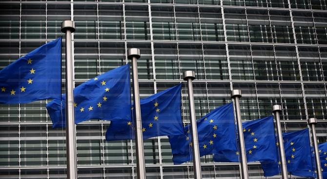 ЕК: Европейските данъкоплатци не би трябвало да плащат за държави без върховенство на закона