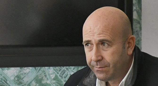 Богдан Милчев: Свикнали сме парите ни да изтичат някъде