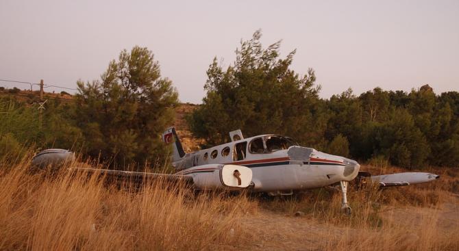 Двама загинаха в самолетна катастрофа в Източна Германия